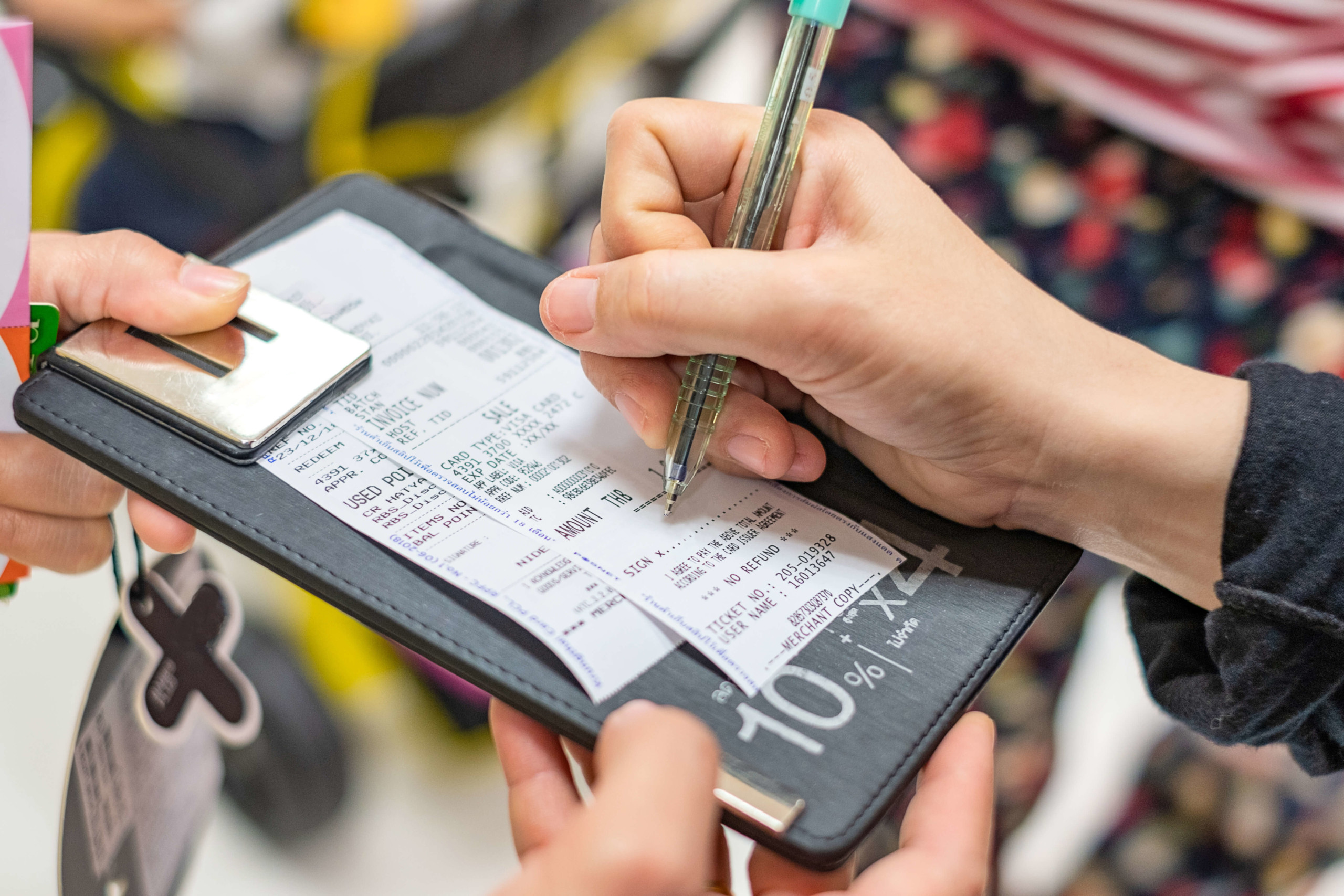 Should I use debit or signature verification for debit card transactions? We have your answers!